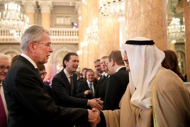 Bundespräsident Van der Bellen mit Diplomaten in der Hofburg