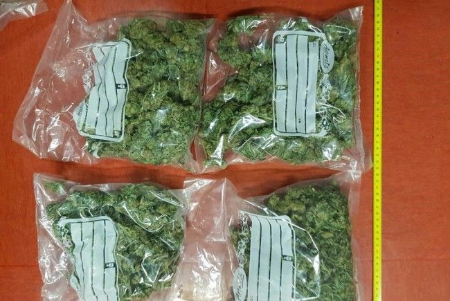 Die Drogen wurden von der Polizei sichergestellt.