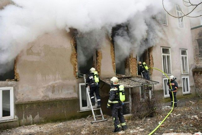 Beim Einsatz nach der Gas-Explosion in Hernals
