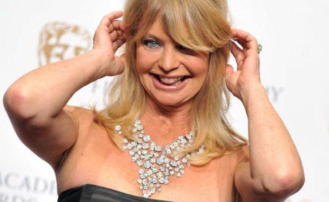 Goldie Hawn lässt es sich munden vor dem Opernball.