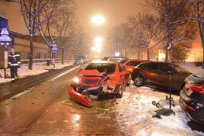 An beiden Fahrzeugen entstand schwerer Sachschaden.