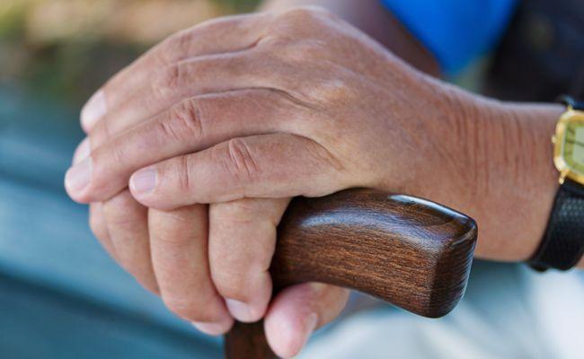 Ein Pensionist lagerte in seinem Heimzimmer gleich mehrere Waffen.