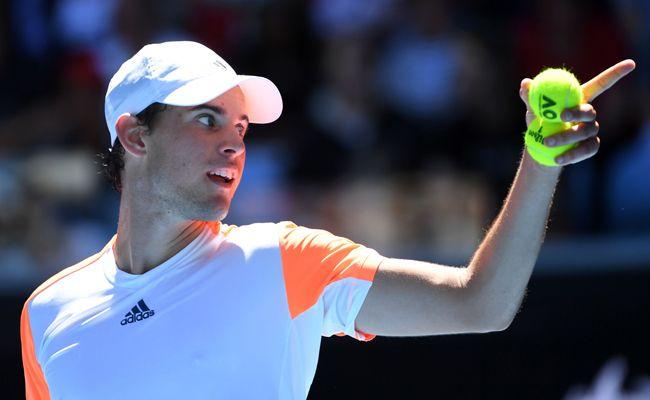 Dominic Thiem erreichte im Tennis-ATP-500-Turnier nach drei spannenden Sätzen das Achtelfinale.