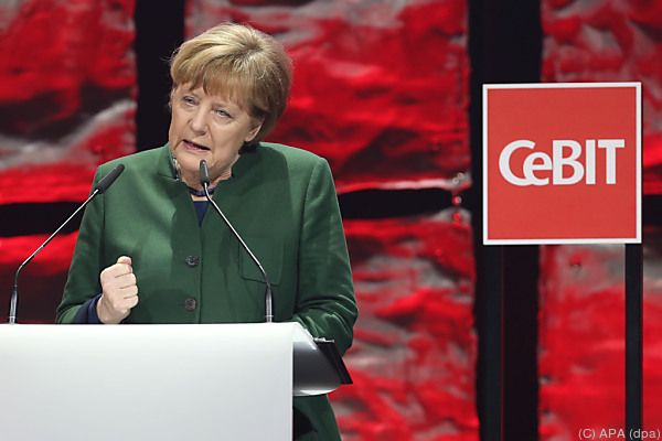 Bundeskanzlerin Merkel eröffnete die Messe