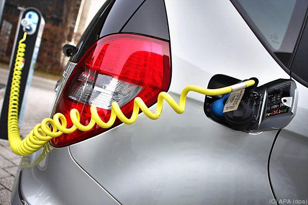 Elektroauto-Fahrer bekommen ein landesweites Ladenetz