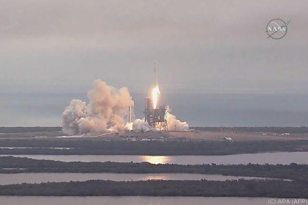 Dragon hat2,45 TonnenFracht von der Raumstation an Bord