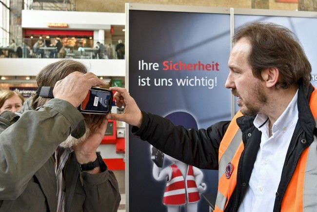Grätzelpolizei ausgeweitet - Sicherheitsaktion am Wiener Westbahnhof.