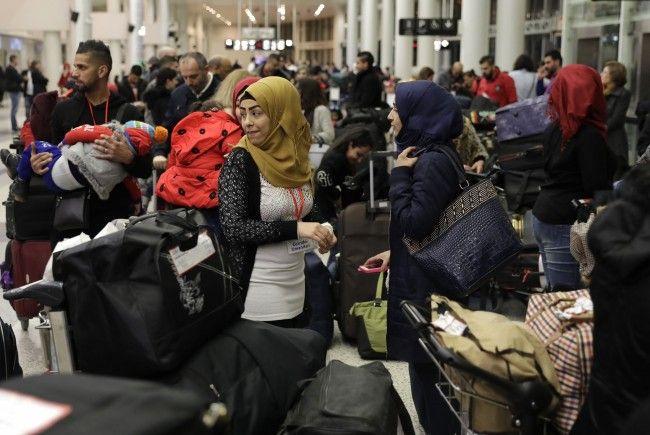 Vorerst werden 50 Flüchtlinge von Italien nach Österreich übersiedeln.