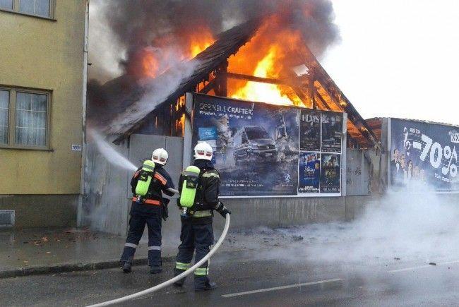 Die Feuerwehr musste nach einer Explosion in der Donaustadt ausrücken