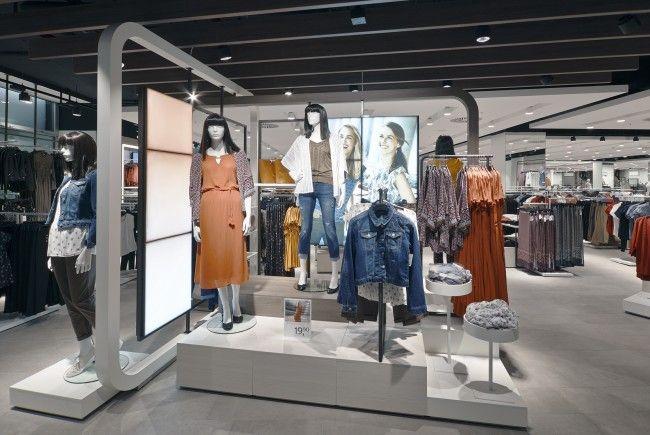 In Wien-Meidling eröffnet die umgestaltete C&A-Filiale.
