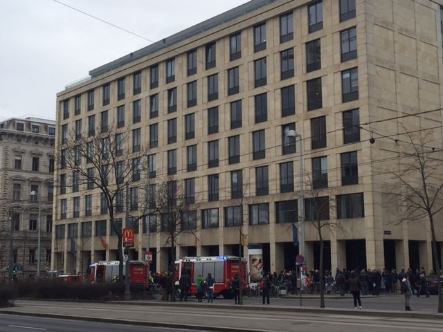 Das Neue Institutsgebäude wurde geräumt.