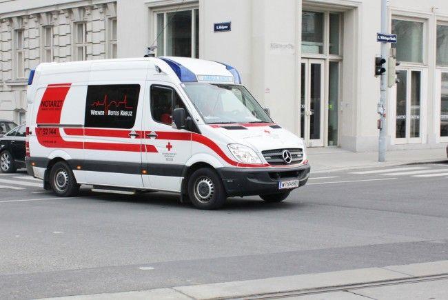 Am Wiener Gürtel wurde eine vierköpfige Familie von einem Taxi erfasst.