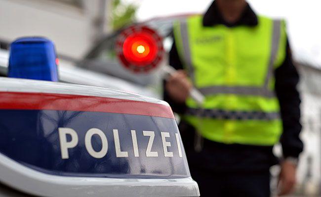 Die Wiener Polizei führte in Meidling Schwerpunktkontrollen durch
