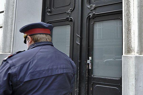 """Zwei Männer drangen als """"Polizisten"""" in Wiener Wohnungen vor"""