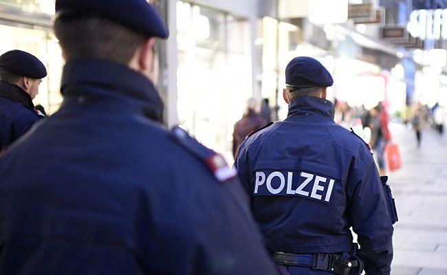 Taschendiebe wurdenin Wien 15 von der Polizei beobachtet