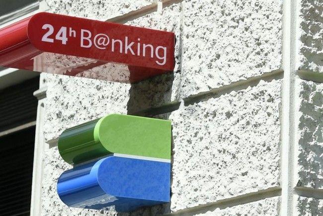 Die Bankangestellten gehen auf die Straßen.
