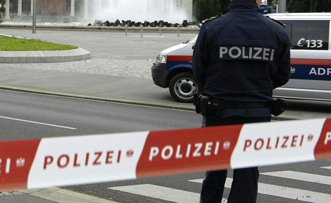 Der Hauptplatz in Traiskirchen wurde sicherheitshalber abgesperrt.