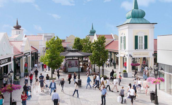 Im Designer Outlet Parndorf wird wieder zu später Stunde geshoppt.