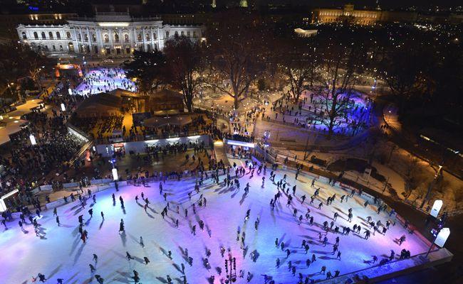 Der 22. Wiener Eistraum lockte wieder zahlreiche Besucher auf's Eis.