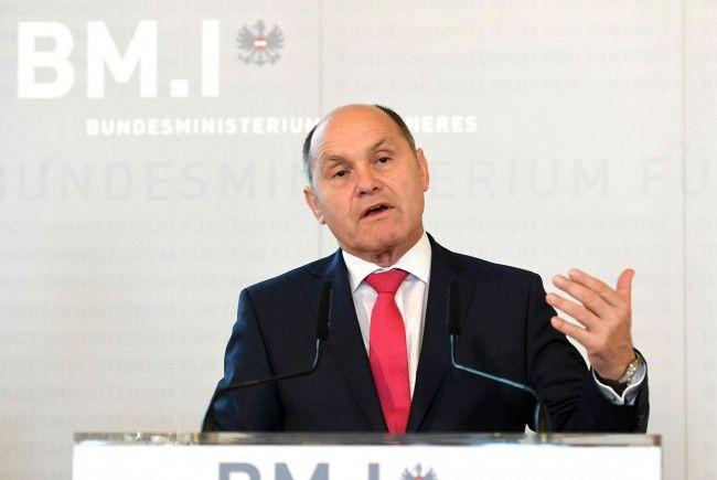 Am Montag präsentierte Innenminister Sobotka die Kriminalitätsstatistik 2016.
