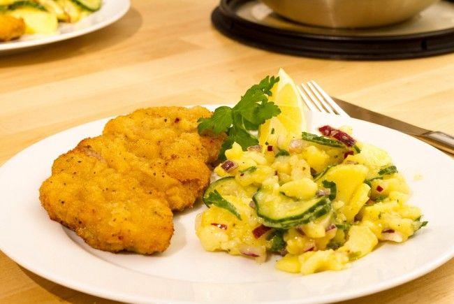 Goldbraun und herzhaft: So lieben die Österreicher ihr Wiener Schnitzel.
