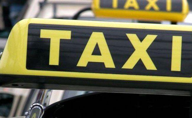Der Taxifahrer wurde nicht verletzt.