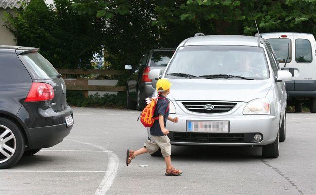Der 5-jährige Bub wurde bei dem Unfall leicht verletzt.
