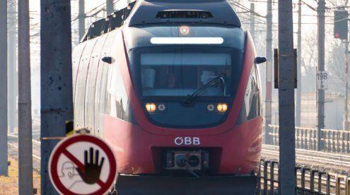 Toter Mann in Zug nach Wien gefunden: Obduktionsergebnis
