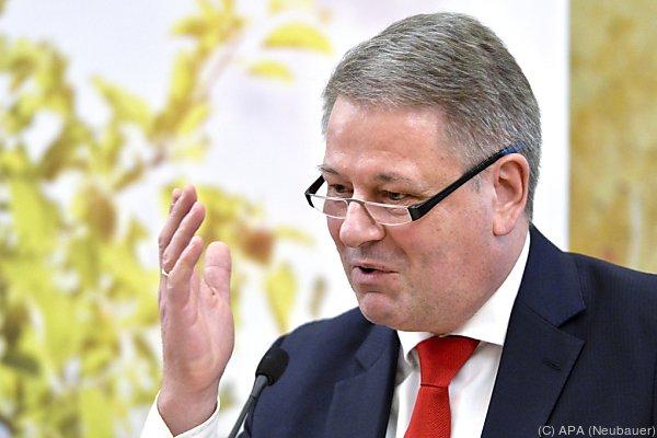 """Umweltminister will ein """"strategisches Infrastrukturgesetz"""""""