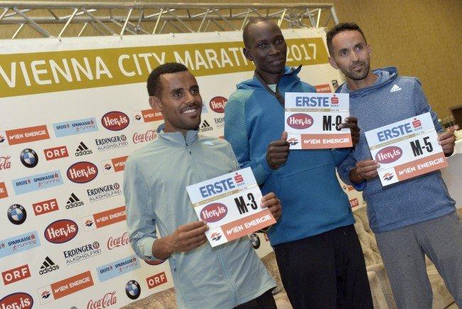 Deribe Robi (ETH), Suleiman Simotwo (KEN), Mustapha El Aziz (MAR) zählen zud en Favoriten beim Wien-Marathon.