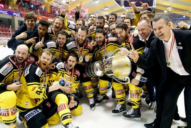 Die Vienna Capitals jubeln über ihren zweiten Meistertitel.