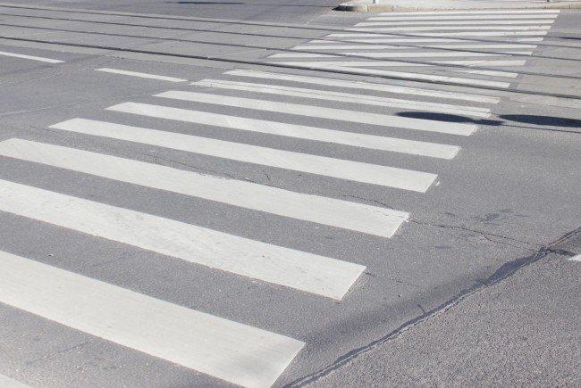 Der 59-Jährige wurde auf dem Zebrastreifen von einem Auto erfasst.