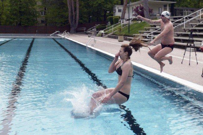 Eisschwimmen im Schönbrunner Bad.