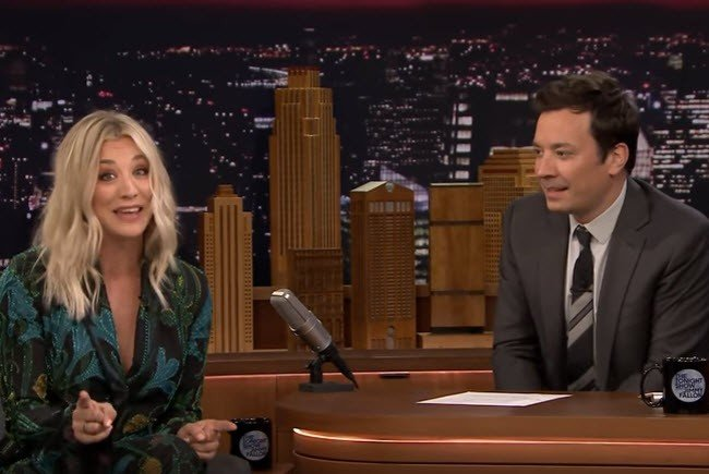 Kaley Cuoco singt Big Bang Theory Titelsong