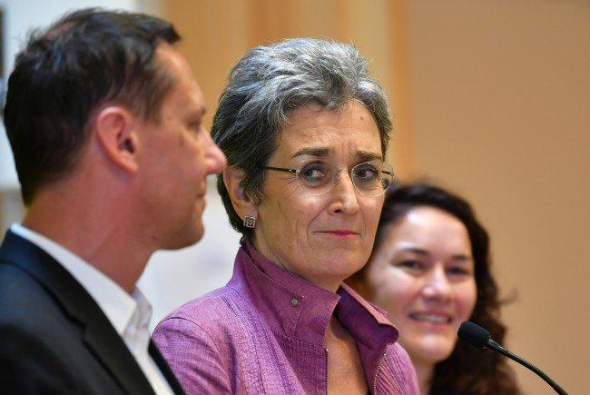 Die Grüne Spitzenkandidatin Lunacek setzt sich ein zweistelliges Ergebnis bei der NR-Wahl als Ziel