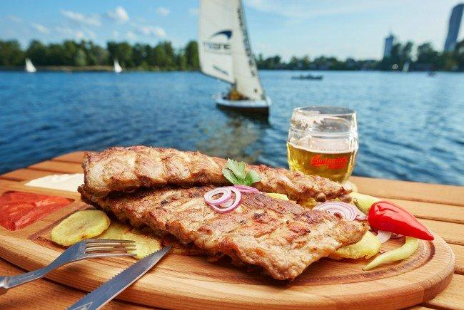 Großartiger Mampf in bester Lage beim Strandcafé an der alten Donau