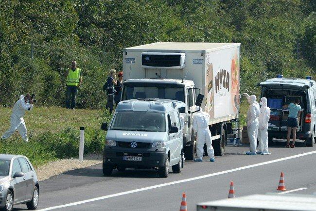 Auf der A4 wurde dieser Lkw gestoppt, in dem sich tote Flüchtlinge befanden