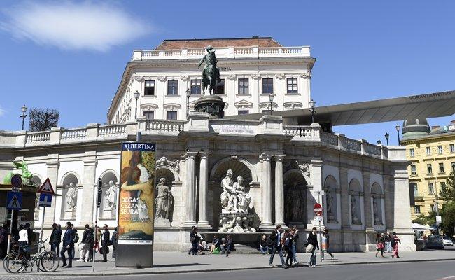 Internationaler Museumstag in Berlin: Schönes Wetter hält Besucher fern