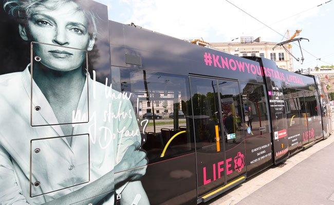 Die neue Life Ball-Straßenbahn