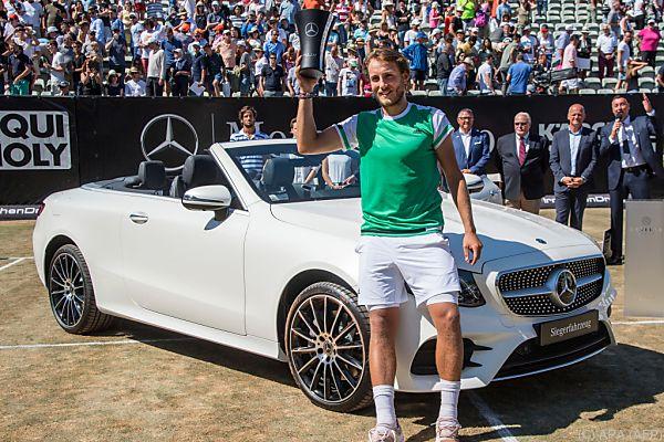 Stuttgart-Sieger Pouille erhielt auch noch ein Cabrio