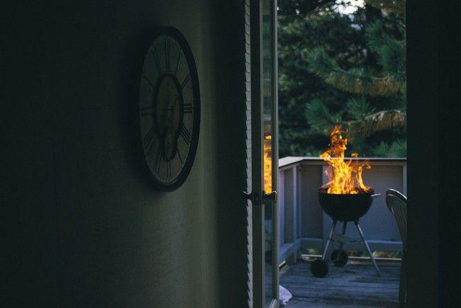 Darf man am Balkon grillen?