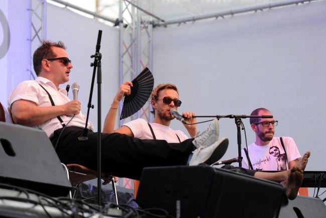 Die Wiener Band stellt ihren Song für den Badeschluss in Wiens Bädern zur Verfügung
