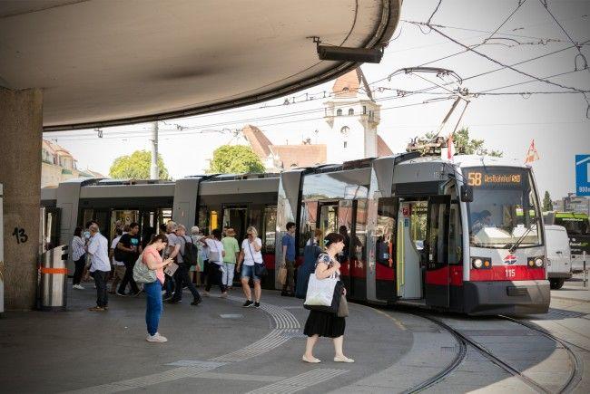 Im Sommer kann es in Wiens Öffis sehr heiß werden.