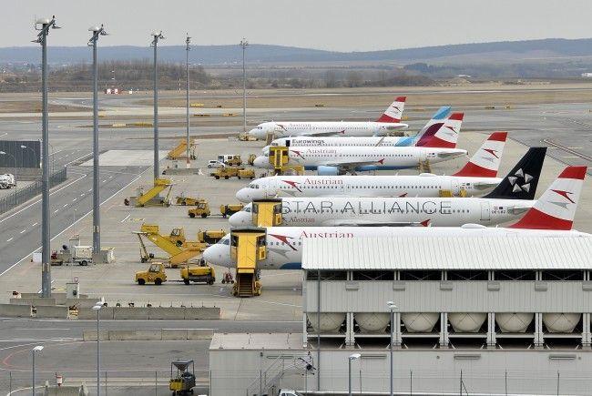Auch zwei Feuerwehrautos versteigert der Flughafen Wien-Schwechat.