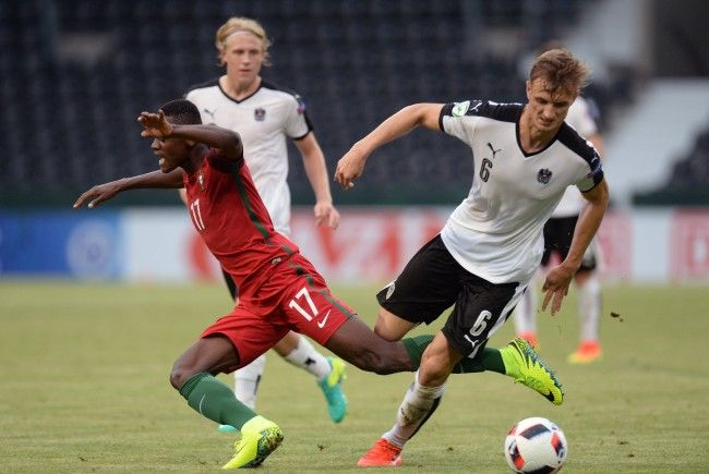 Die Admira will von Hoffenheim für Stefan Posch (r.), hier im Trikot des österreichischen U19-Nationalteams, eine Ausbildungsentschädigung.