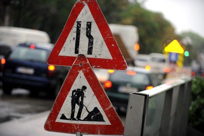 Wegen Bauarbeiten kommt es auf den Straßen in Wien-Liesing zu Verzögerungen.