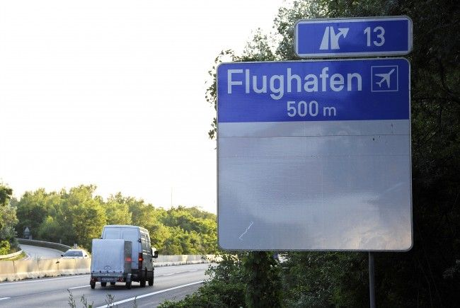 Neue Spurführung auf der Ostautobahn bei Flughafen Schwechat