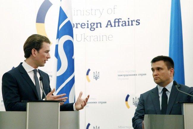 Der ukrainische Außenminister Pawlo Klimin warnt vor Störmanövern Russlands.