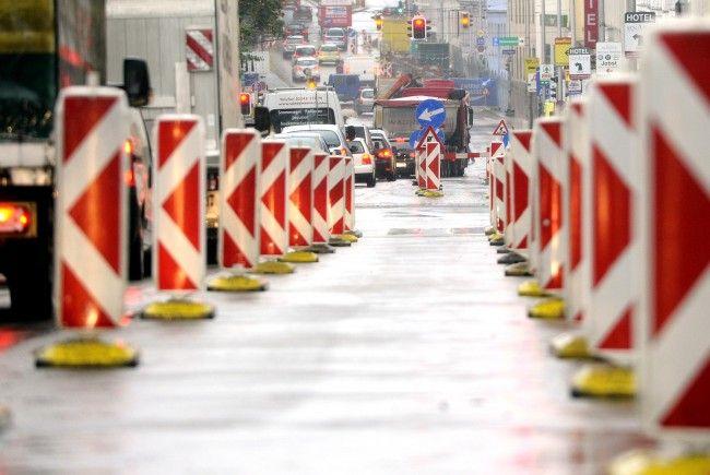 Die Linzer Straße senkte sich am Freitagabend ab