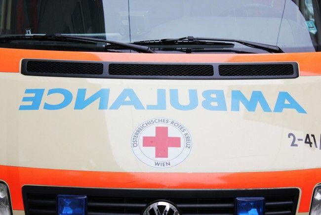 Fünf Personen wurden bei einem Pkw-Überschlag auf der S2 verletzt.